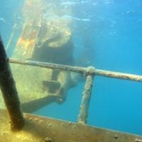 Das Deck liegt ganz knapp unter der Wasseroberfläche, September 2002