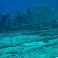 Reste der Aufbauten der Yolanda, Mai 2007
