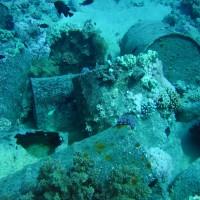 Die Fässer aus der Ladung der Loullia, Mai 2007