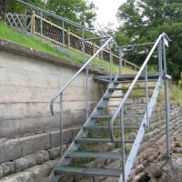 Bequem und sicher die Treppe zum Einstieg, Juli 2005