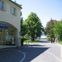 Das Parkhaus liegt direkt neben dem Einstieg, Mai 2005