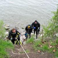 der mühsame Aufstieg am Seezeichen 24, April 2002
