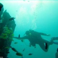 eines der drei künstlich versenkten Laguna-Wrecks, Oktober 2003